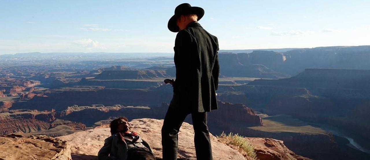 Myślałem, że udostępnianie całych sezonów seriali to świetna sprawa. A potem pojawił się Westworld