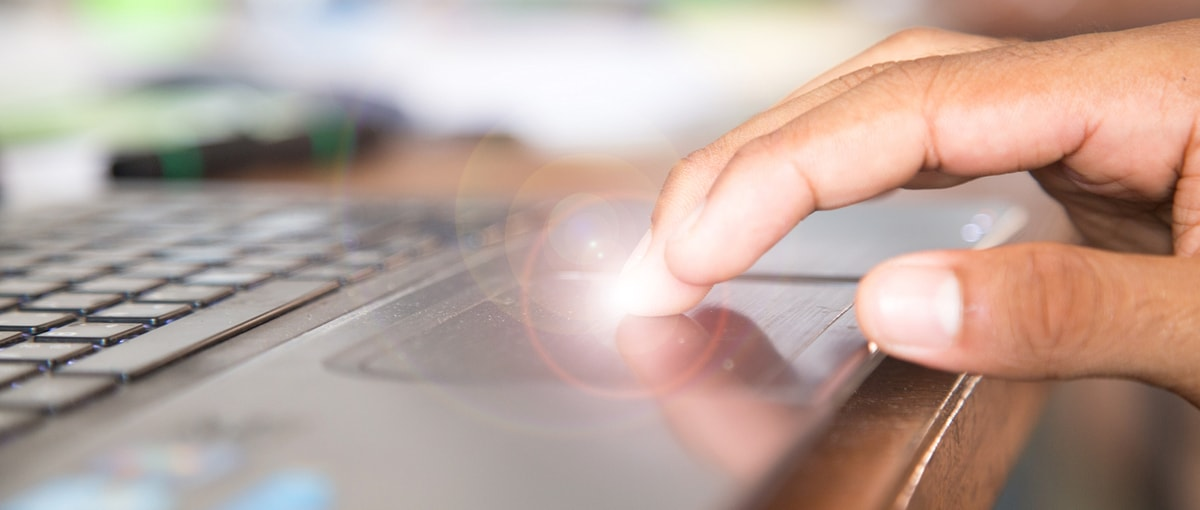 9 gestów na touchpadzie, które powinien znać każdy użytkownik Windowsa 10