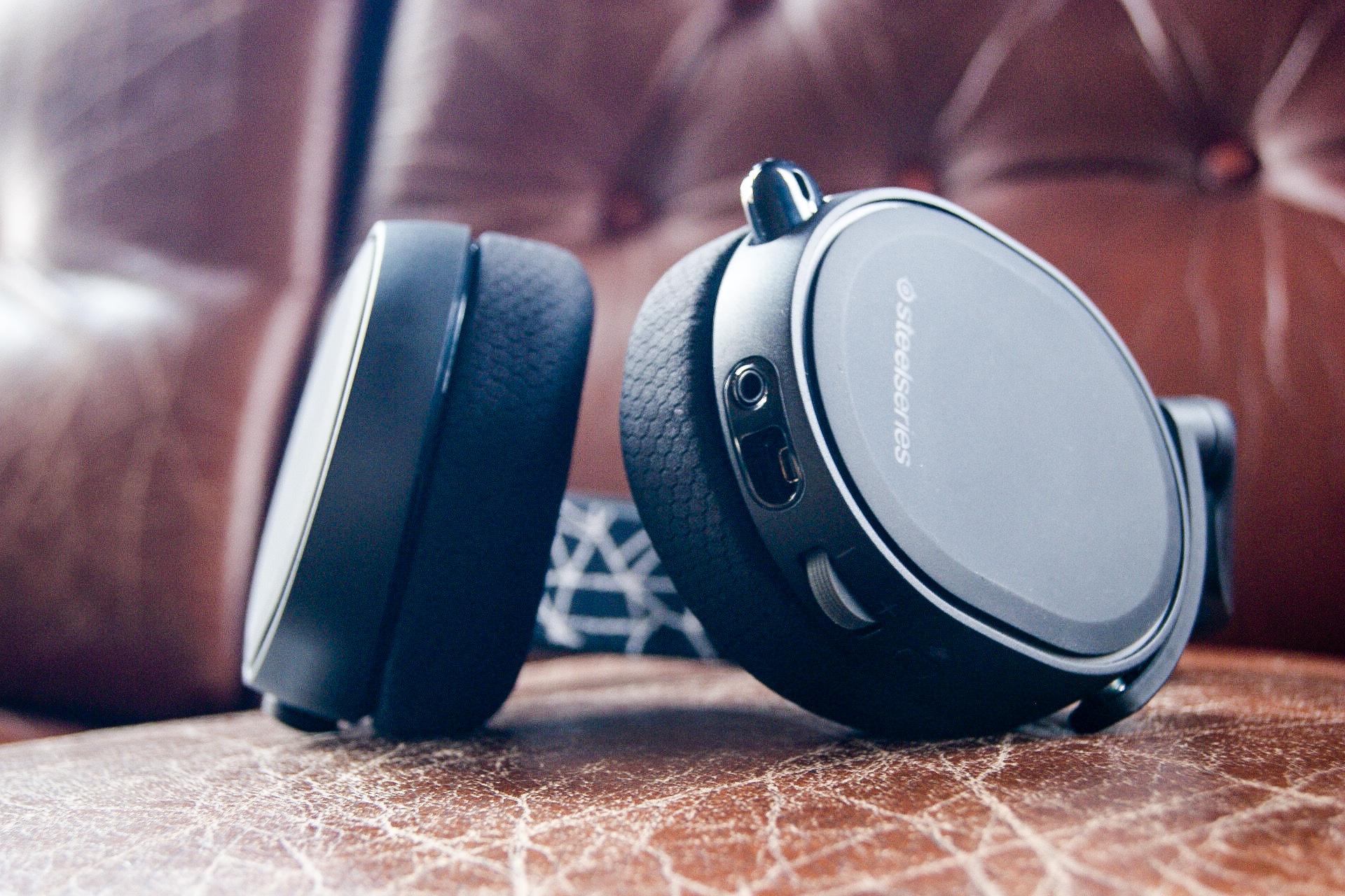 Cyfrowy dźwięk przestrzenny dla każdego. SteelSeries Arctis 5 – recenzja Spider's Web