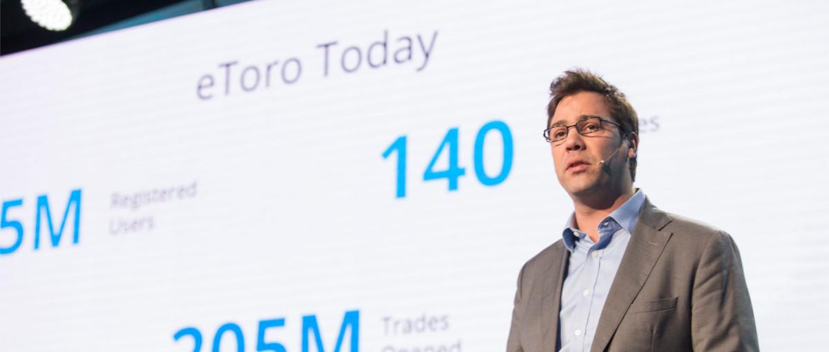 Obserwujesz, w co inwestują inni i robisz to samo. eToro, czyli Facebook dla inwestorów, już w Polsce