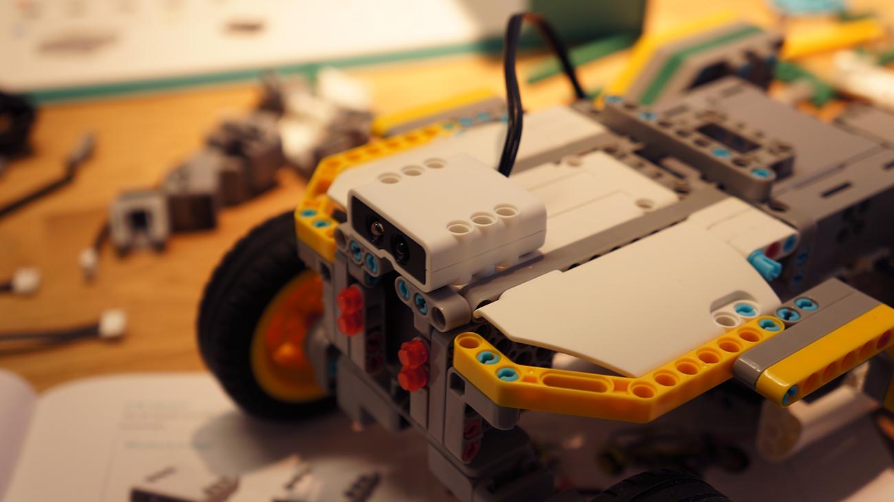 Klocki, z których zbudujesz własnego, programowalnego robota. JIMU – recenzja Spider's Web