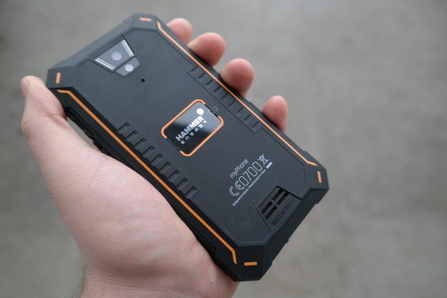 myPhone Hammer Energy to dobry i tani wytrzymały smartfon.