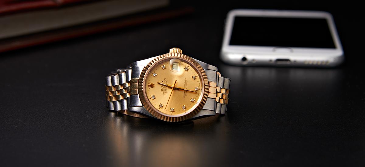 7 pięknych, tradycyjnych zegarków, które przekonają cię, że nie warto kupować smartwatcha