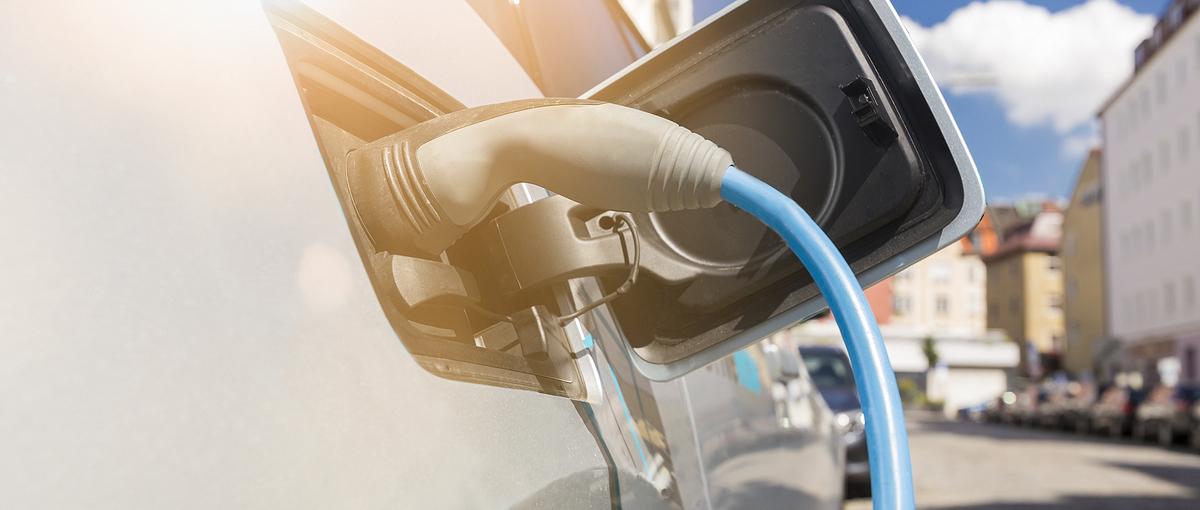Którą hybryda typu plug-in pojedziesz najdalej, nie zużywając paliwa? Sprawdzamy!