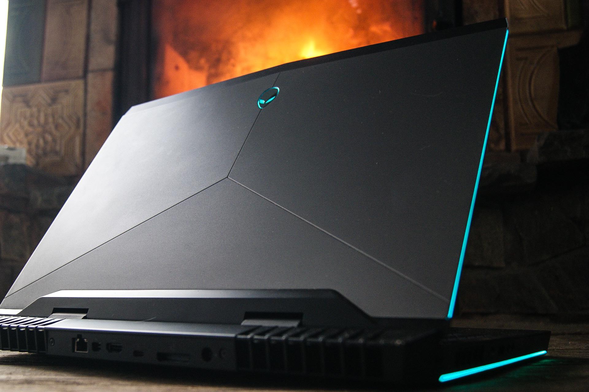 Między tym laptopem do gier a innymi zieje przepaść. New Alienware 17 – recenzja Spider's Web