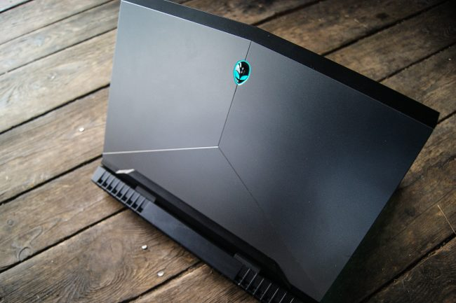 new-alienware-17-2016-37