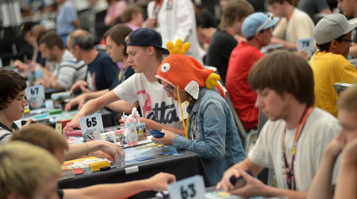 Ordynarny skok na kasę. Pokemon Duel nie jest grą Nintendo, na jaką czekali fani