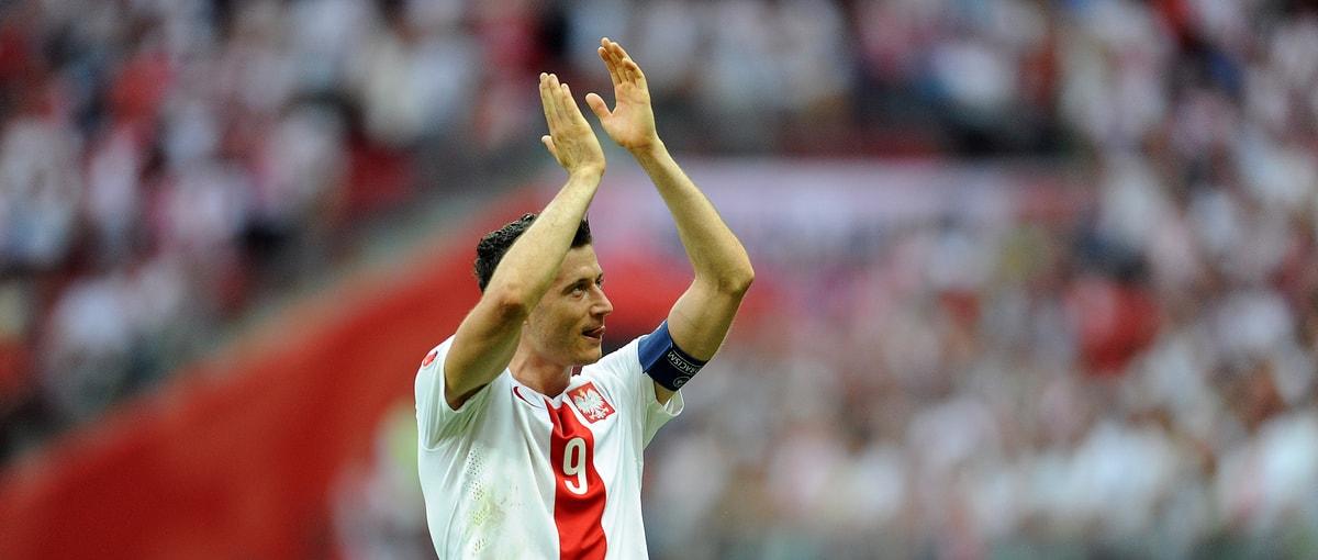 """Wystarczyło trochę pograć w FIFĘ na """"amatorze"""" i może Polska nie przegrałaby dziś z Senegalem"""