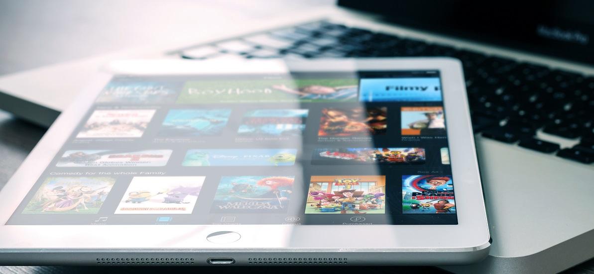 Gdzie Polacy najchętniej oglądają filmy i seriale? Nie, nie na Netfliksie