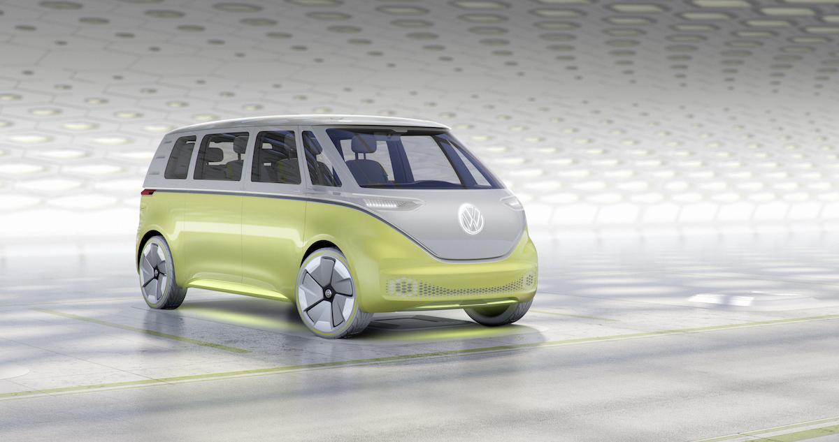 """Wagon do przewożenia hipisów, czyli VW pokazał następcę kultowego """"Ogórka"""" rodem z przyszłości"""
