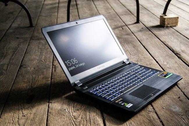 Hyperbook SL503 VR IEM 2017-22