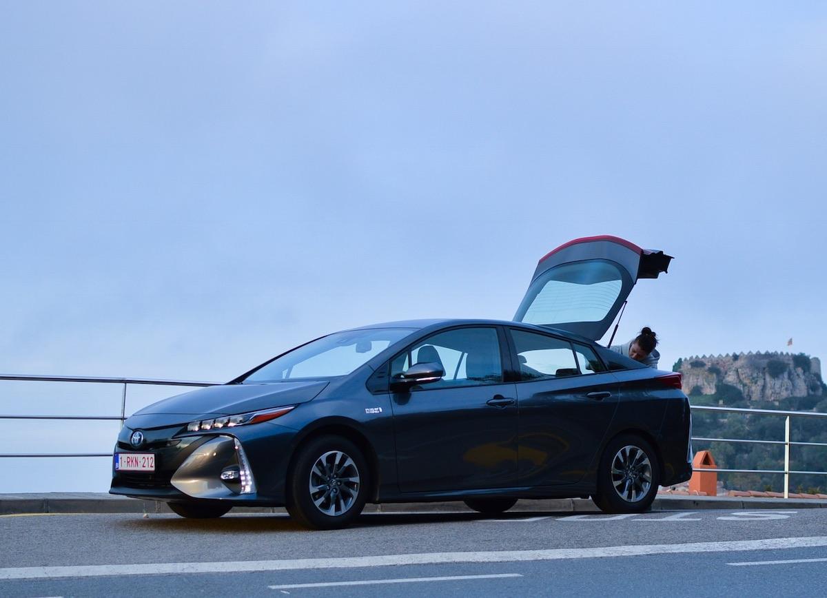 Toyota-prius-plug-in-hybrid-11