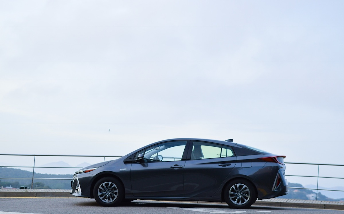 Toyota-prius-plug-in-hybrid-13