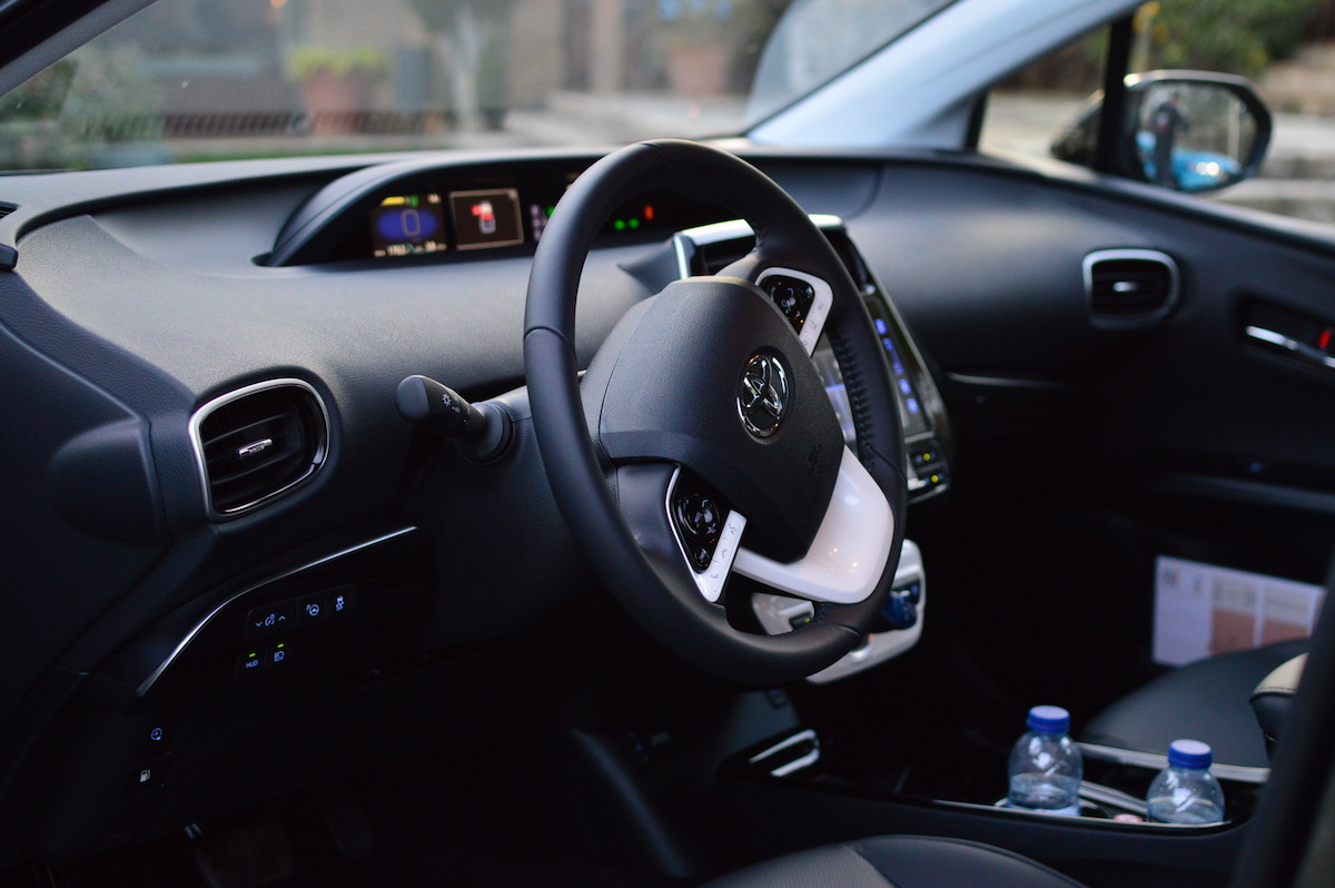 Toyota-prius-plug-in-hybrid-30