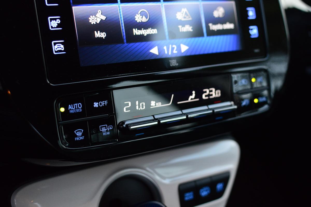 Toyota-prius-plug-in-hybrid-32