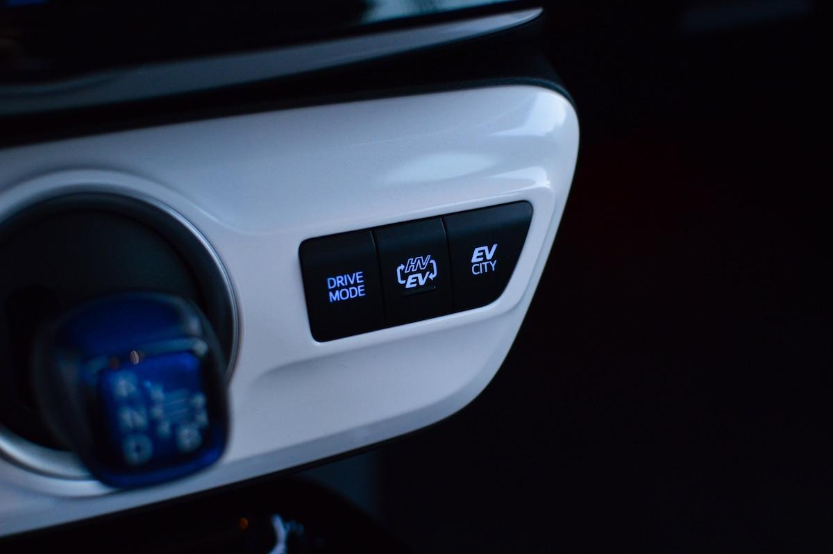Toyota-prius-plug-in-hybrid-33