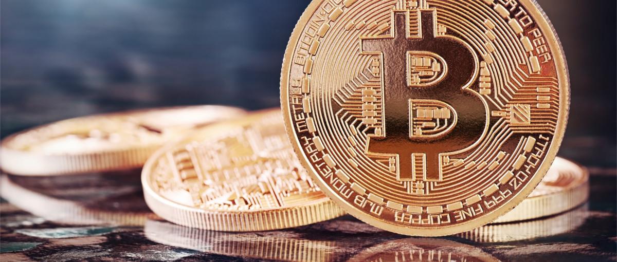 Takich spadków bitcoin nie widział od dawna, ale kurs już się uspokoił