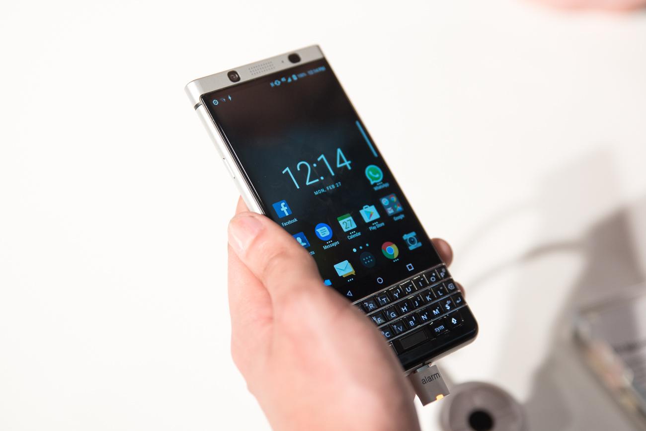 Jak dotąd to najciekawszy smartfon 2017. BlackBerry KEYone – pierwsze wrażenia
