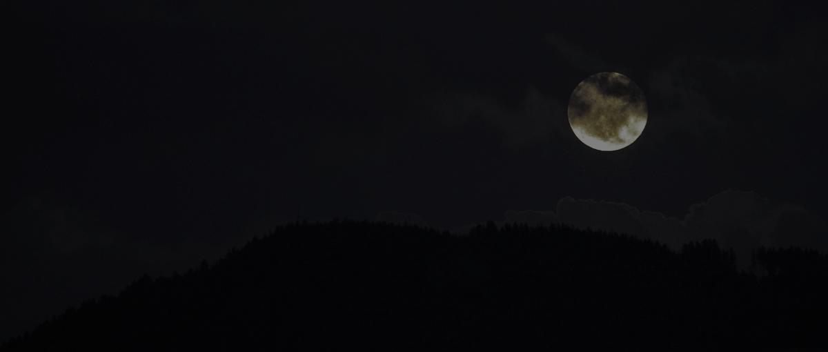 Dzisiaj w nocy zobaczymy aż trzy ciekawe zjawiska astronomiczne