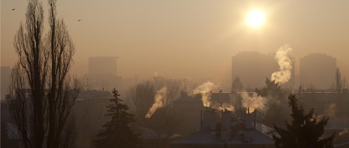 Jeśli nie musisz, to nie wychodź z domu. Zanieczyszczenie powietrza w Polsce przekroczyło wszelkie normy