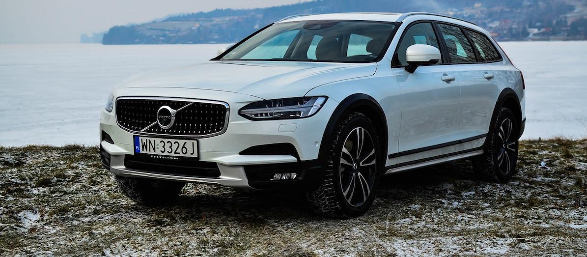 """Volvo V90 Cross Country – 10 razy potężne """"tak"""" i 3 razy ciche """"nie"""""""