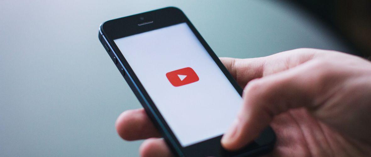 Tańczące kropeczki i śmieszny dinozaur – tak YouTube zmienia najbardziej znienawidzony element
