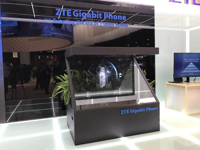 zte-gigabit-phone-mwc-2017-5g-7