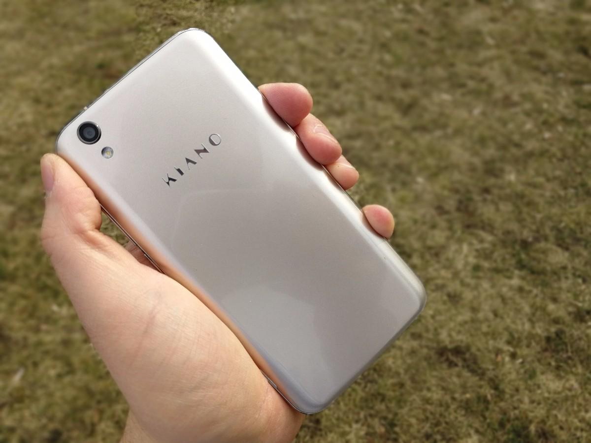 Kiano Elegance 5.1 Pro to bardzo dobry smartfon do 500 zł.