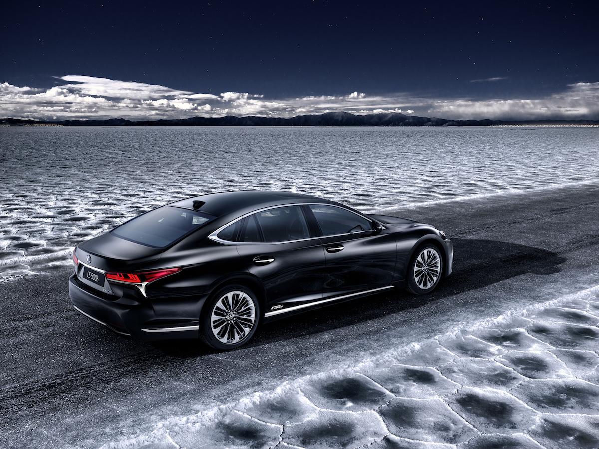 Lexus_LS_500h_teaser_6D3771BCFF4C83032A46BF9E47821403E54E6868