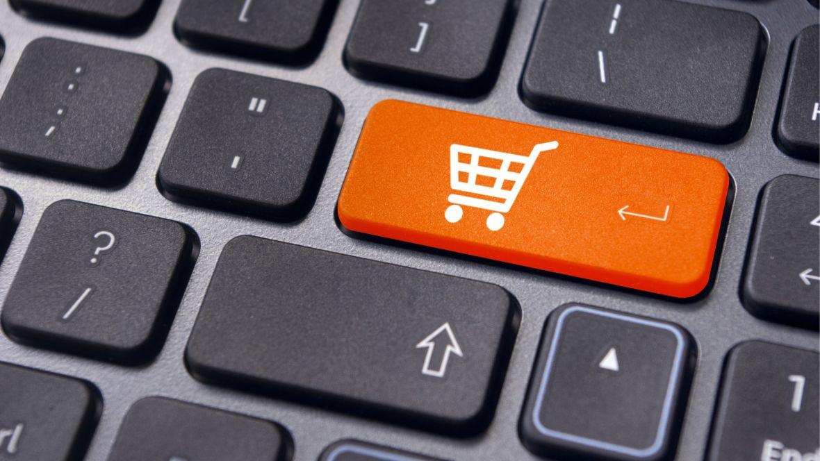 Robisz zakupy online w zagranicznych sklepach? Teraz Parlament Europejski usunie ograniczenia