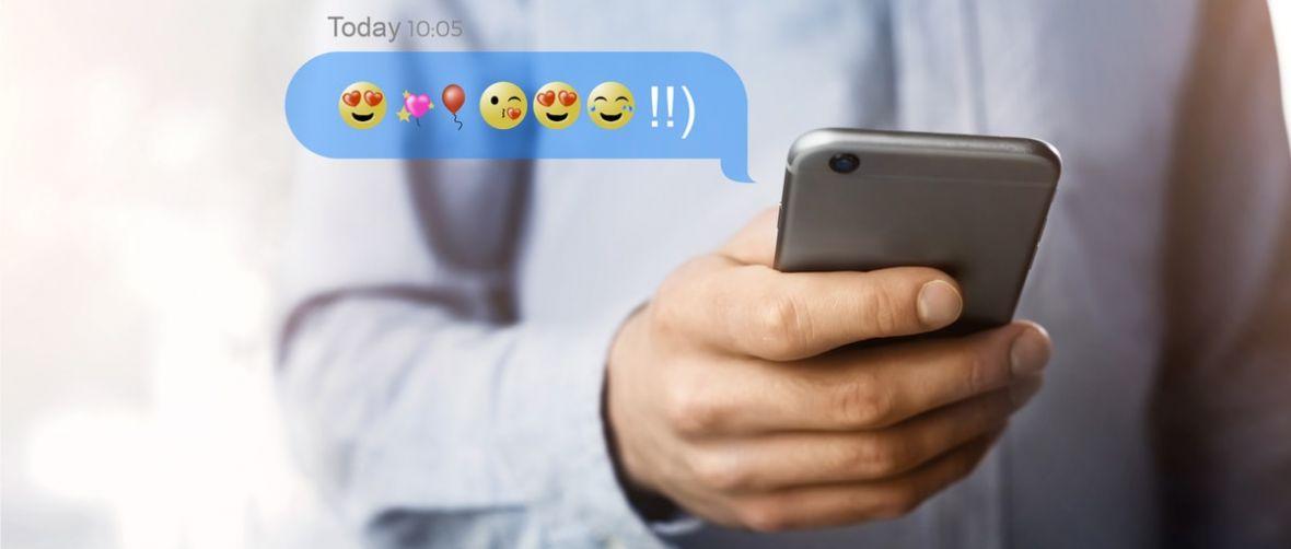 Nowy rozdział bankowości mobilnej – sprawdzanie stanu konta SMS-em… z emotką