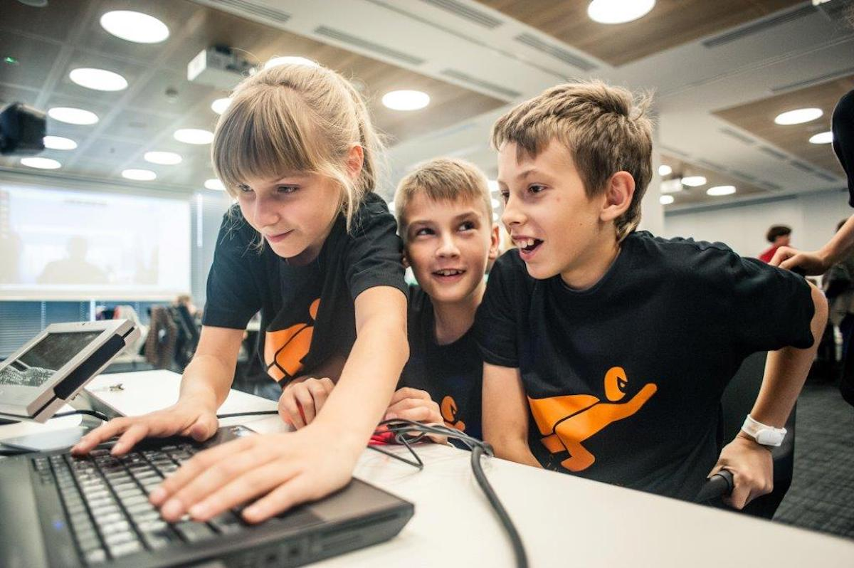 Nabór do akcji #Superkoderzy i MegaMisja - Fundacja Orange