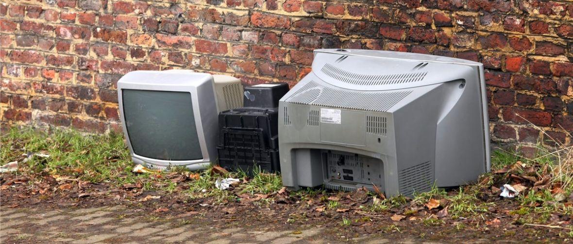 Śmichy chichy na bok – 2017 przejdzie do historii jako rok upadku telewizji