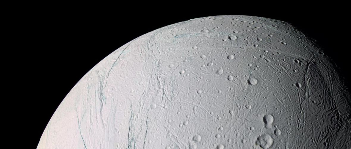 Nie tak prędko z lotem na Enceladus. Do odkrycia życia jeszcze daleko