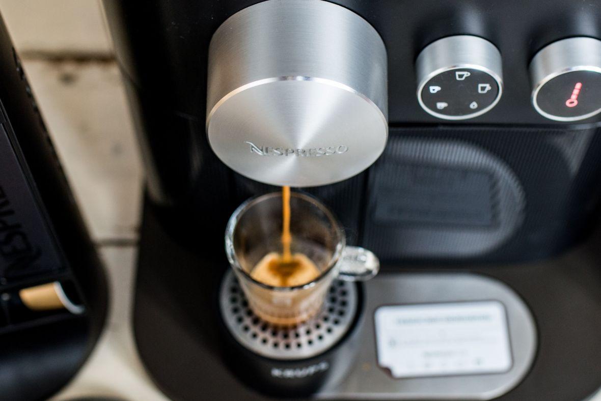Najprostszy sposób na pyszną kawę w domu? Odpowiedź to Nespresso Expert&Milk