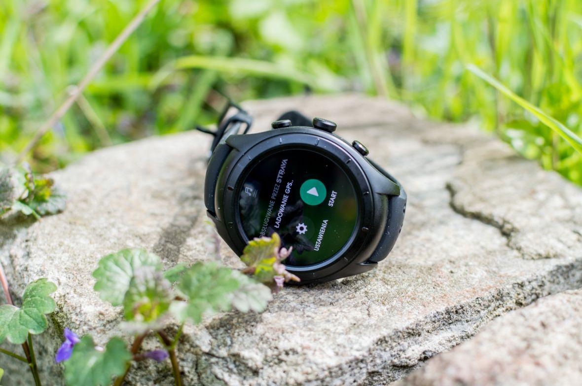 Smart zegarek dla biegaczy od biegaczy, czyli testujemy RunIQ