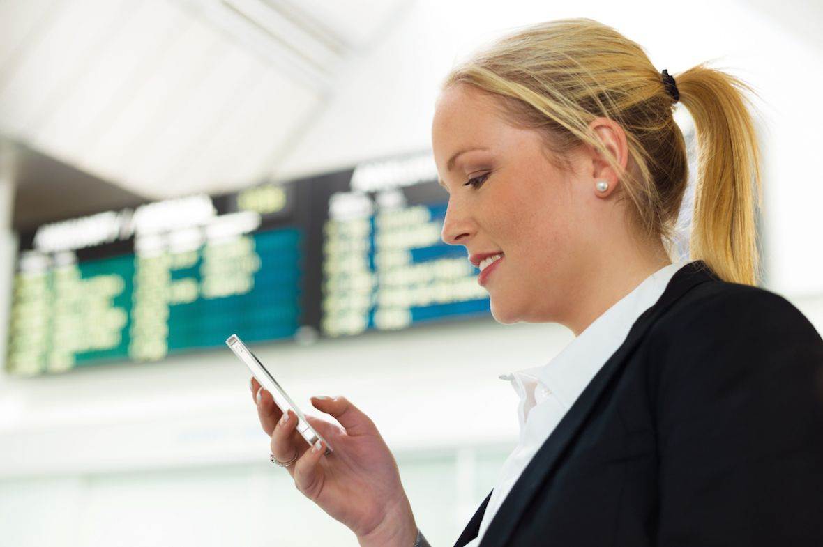 Zmiany w cennikach roamingu. Ile zapłacimy w Mobile Vikings, Virgin Mobile i a2mobile?