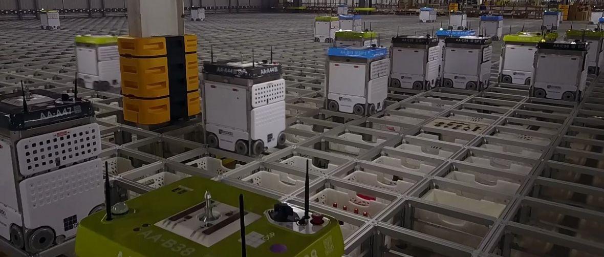 Wózek na szynach i robot z towarem – tak niedługo będą pakować się twoje zakupy