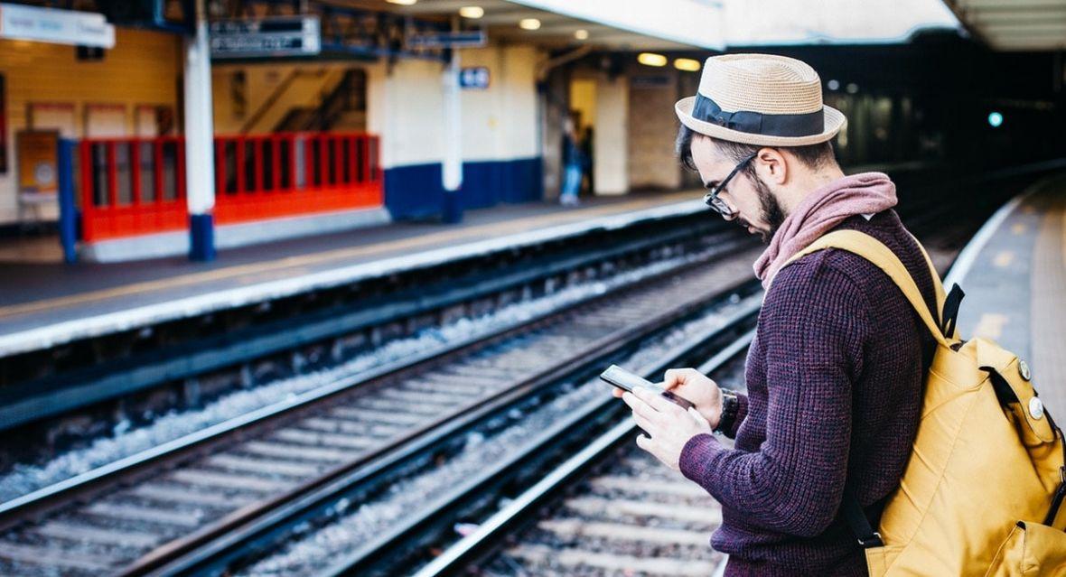 Polacy nie znają umiaru – wyjeżdżając za granicę korzystamy z roamingu jak opętani. Stąd nowe dopłaty