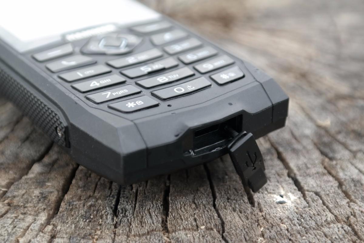 ab87786855da Hammer 3+ to jeden z najlepszych klasycznych telefonów jakie widziałem.