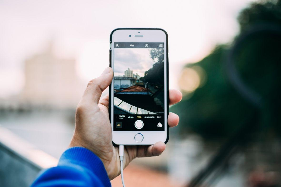 Apple pokazuje profesjonalny film z iPhone'a. Z tymi aplikacjami możesz nagrać podobny