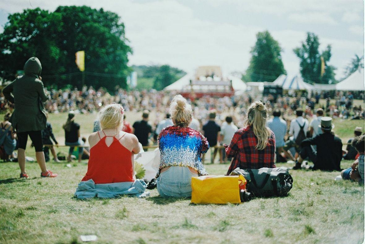 Jeździsz na festiwale muzyczne? Nie bierz gotówki