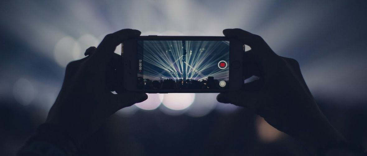 Przepraszam, gdzie mogę się podpisać pod zakazem nagrywania koncertów smartfonami?
