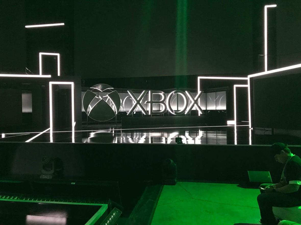 """Byłem rzut beretem od telebimu prezentującego gry na Xbox One X. Zastanawiałem się: """"co ja tu robię?"""""""
