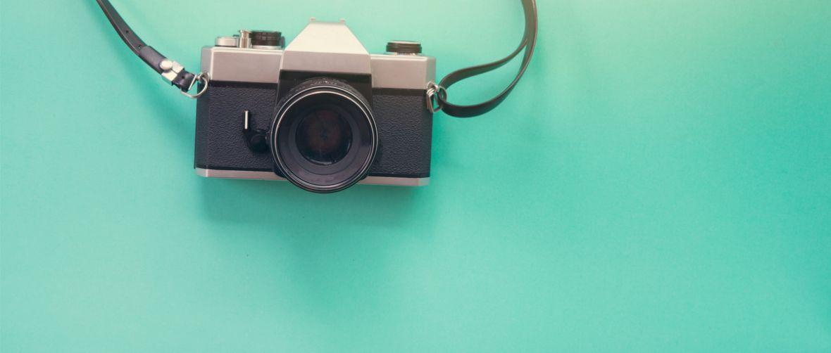 Można fotografować pudełkiem zapałek, hangarem albo samochodem. Ostatnia opcja ma jednak ukryte ciekawe funkcje