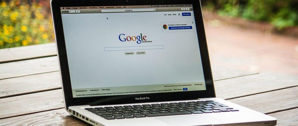 Wydawcy straszą, że Google i Facebook zagrażają demokracji. Żądają zmian w prawie