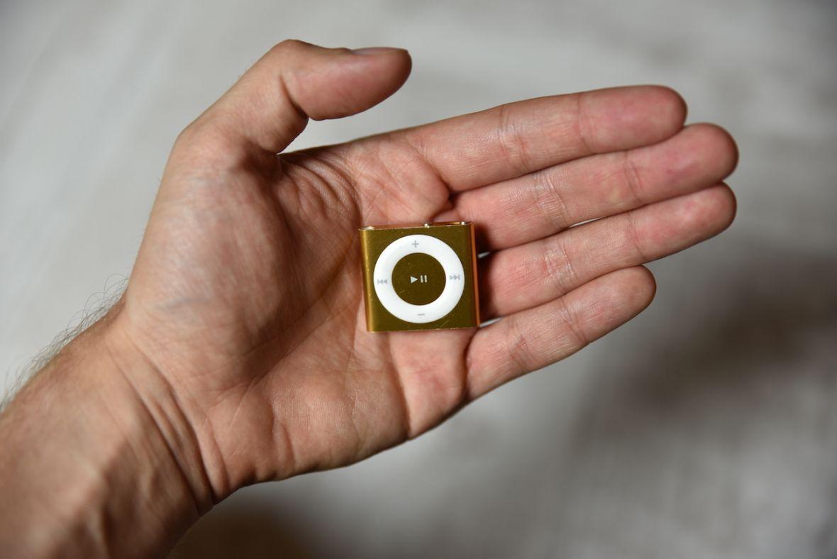 To już koniec małych iPodów. Apple właśnie zabiło iPody shuffle i nano