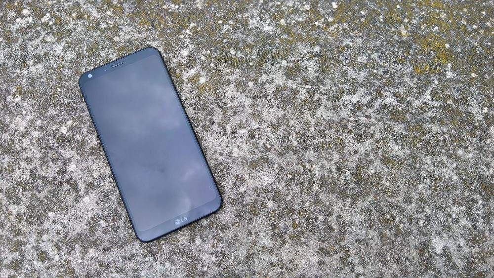 LG Q6 recenzja