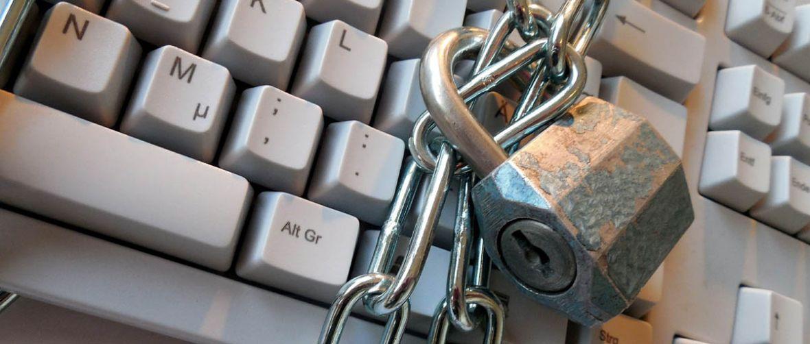 Zapalmy znicz na grobie prywatności w Sieci