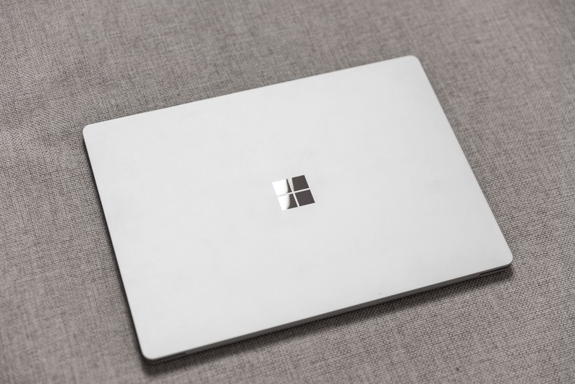 Piękny, wspaniały laptop. Szkoda tylko, że są lepsze. Surface Laptop – recenzja Spider's Web